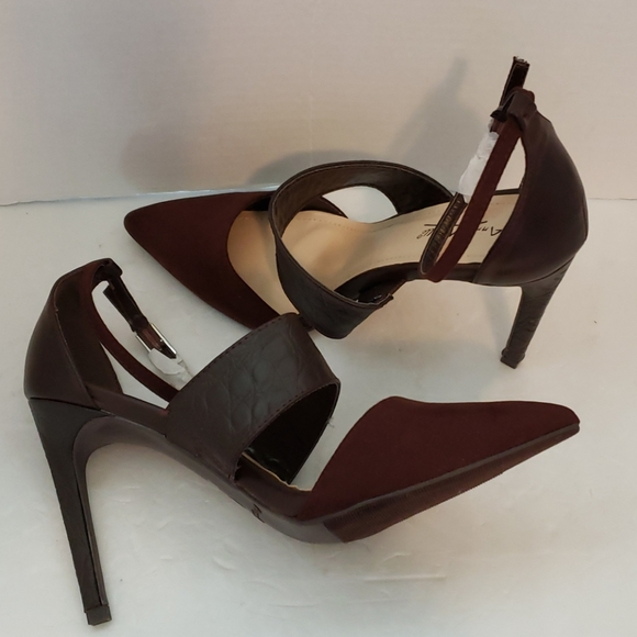 Anne Michelle brown heels